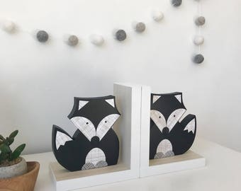 Fox Bookends, Black and White, Gender Neutral, Woodland Nursery, Woodland Kids Decor, Children's Bookends, Fox Nursery, Forest Themed Baby