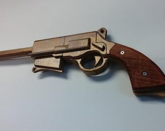 Malcom Reynold's Browncoat Pistol
