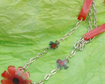 Pet bottle carmine red flower necklace plastic recycled