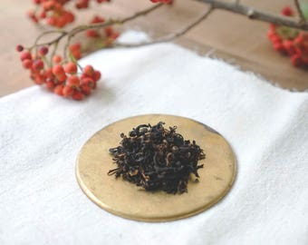 Honey Scented Black Tea / Natural Honey Flavor / Wolf Tea