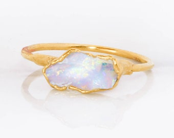 Gold Raw Opal Ring for Women, Statement Jewelry, Gemstone Ring, Opal Engagement Ring, Opal Ring Gold, Raw Crystal Ring, October Birthstone