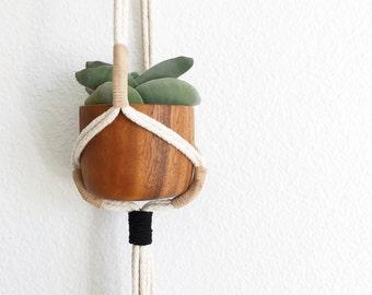 Macrame plant hanger/ Modern macrame plant hanger/ Macrame hanging/ Plant hanger/ hanging planter/ macrame plant holder/ pot hanger