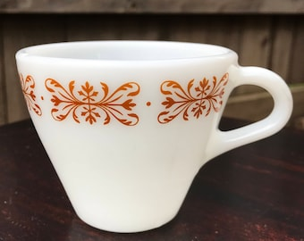 Vintage Corning Pyrex Milkglass Coffee Mug
