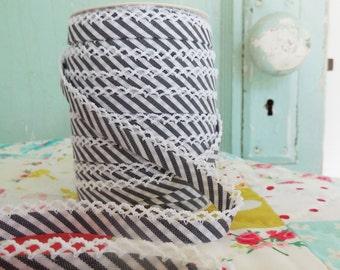 Black Stripe Bias Tape (No. 114).  Black stripe quilt binding.  Black Bias Tape.  Black Stripe Fabric.  Bias Binding.