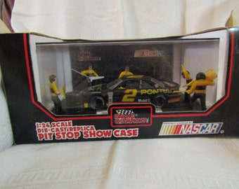 1992 NASCAR Rusty Wallace Pit Stop Show Case