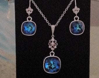 SET, Bermuda Blue Swarovski® Elements necklace and earrings  set