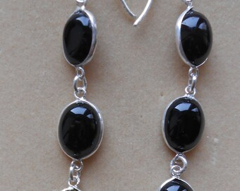 Hallmark 925 Sterling Silver Sri Lankan Hand Made Onyx Dangle Earrings (E20/9)