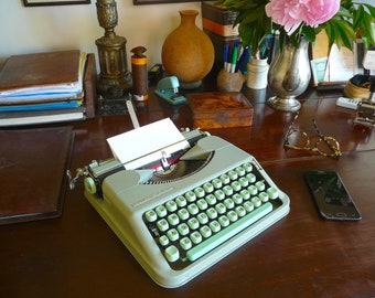 FREE SHIPPING! 1963 Hermes Baby Typewriter Sea-Foam Green & Mint keys Excellent cond. QWERTY Pica typeface