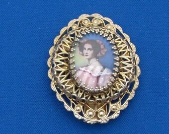 Brooch - Portrait Brooch - Victorian Style - Vintage