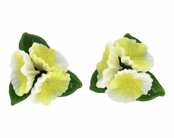 1950s French Vintage Plastic Flower Earrings