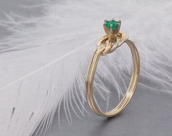 Climbing Knot Ring with Emerald Gemstone - Rock Climbing Gift - Mothers Day Gift - Emerald Ring Infinity Ring
