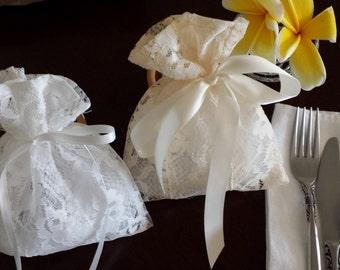 Lace Wedding Favor Bag/White/Cream/