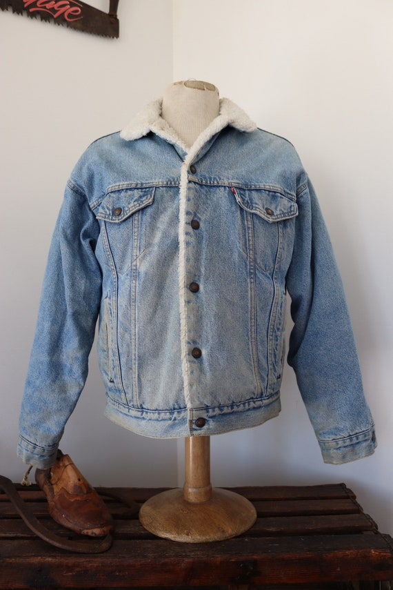 """Vintage Levis Strauss small e pale indigo blue shearling lined denim jacket 46"""" chest workwear sherpa western cowboy made in USA red tab"""
