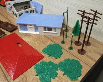 Plasticville U S A House Unit HU-7/Building Toy Houses