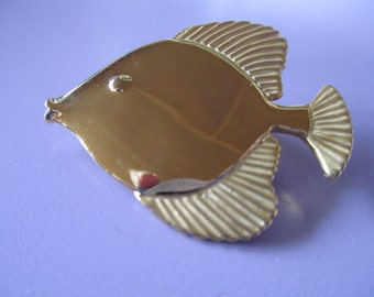 Jewelry Vintage signed Toro ladies brooch  gold tone Tropical fish pin