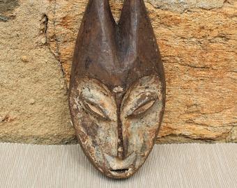 Small mask.  LEGA PASSPORT MASK . African art. Congo