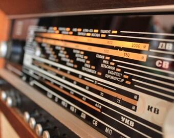 Rigonda 102 radiola Rare Tube Radio with Vinyl Player Radio radiola vintaj USSR