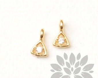 P969-G// Gold Plated Cubic Pointed Mini Triangle Pendant, 4pcs