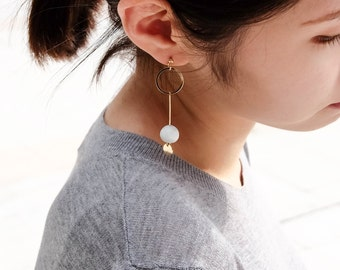 White Marble Pattern Concrete with Gold Circle And Tag Earrings