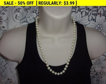 Vintage faux pearl bead necklace