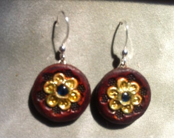 Small flower earrings with paua shell