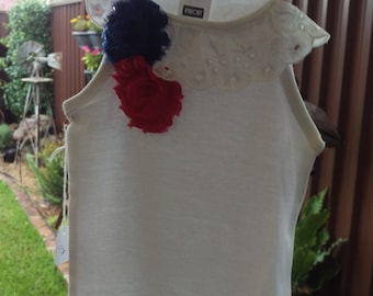 Lace and flower singlet top - size 3-4