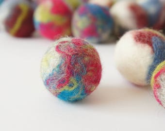 Cat and dog interactive toy. Wool ball. Handmade. Natural sheep wool. Soft and light. Also have more other uses. 15 pieces