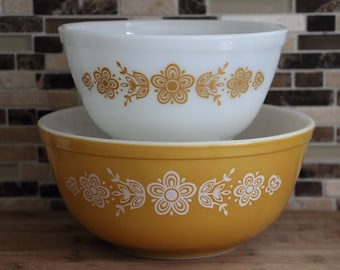 Pyrex Butterfly Gold Mixing Bowls - Set of 2