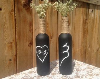 Wedding Centerpiece. Rustic Wedding Centerpiece. Chalkboard Wedding Bottle. Wedding Decoration. Shabby Chic. Country Wedding. Vase.