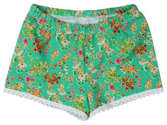 Green Floral Baby Shorts Girl Shorts Toddler Shorts Cluny Lace Shorts Green Flower Toddler Shorts Floral Shorts Floral Baby Gift Green
