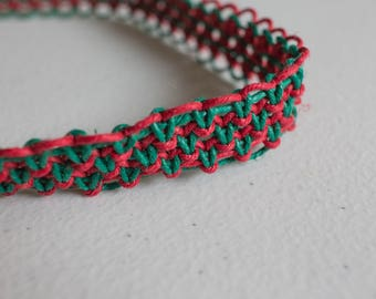 19 inch red and green hemp necklace