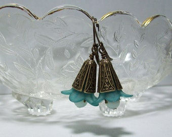 Lucite Flower Earrings. Teal and Amazonite Earrings. Vintage Inspired Lucite Earrings. Lucite and Stone.