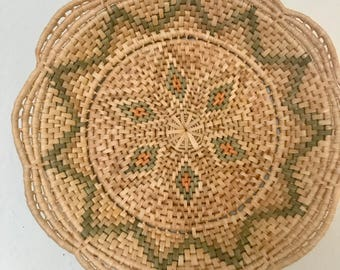 Beautiful vintage coil basket/tray
