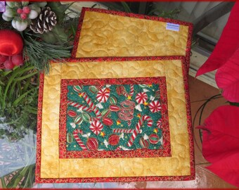 Christmas Candy Gold, Quilted Mug Rug, Candle Mat, Snack Mat, Table Decor 660