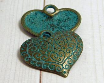 27x26m - Heart Pendants - Bronze Pendants - Heart Charms - Patina Charms - Green Patina - Vintage Style - Antique Bronze - 2pcs - (B326)
