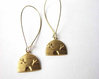 gold beehive earrings