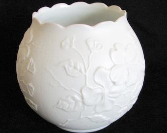 Vintage Kaiser Dogwood Rose Bowl Porcelain Vase White