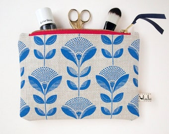 Medium makeup bag with abstract dandelion and leaf print