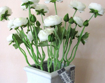 Buttercups branch in white or pink, 48 cm long. Artificial flowers