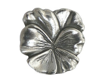 Danforth Large Pansy 7/8 inch ( 22 mm ) Pewter Shank Button