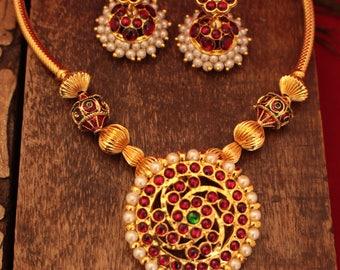 Indian Kemp Temple Necklace Set.