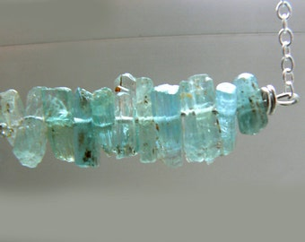 Raw aquamarine crystal necklace- Jewelry gemstone sterling silver necklace- Blue stone bar pendant- Boho gemstone women necklace