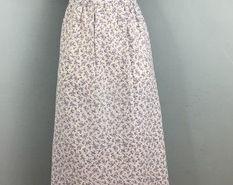 Vintage 1980s white ditsy floral dress UK 10/12 V neck front and back Ties at back