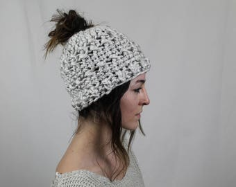Messy Bun Hat, Ponytail Hat, Runner's Hat, Bun Beanie, Top Knot Beanie, Messy Bun Beanie, Bun Hat, Crochet hat with hole on top