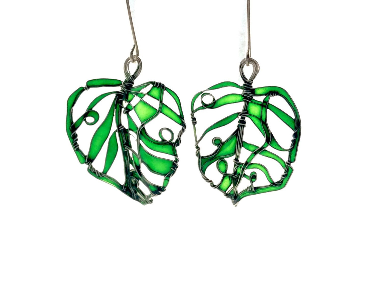 Neue grüne Blätter Silber Ohrringe. Elegante Ohrringe. Smaragd