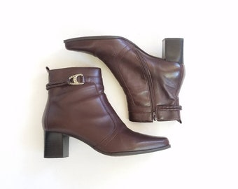 Vintage Womens 9.5 Caressa Braid Brown Leather Ankle Booties Bootie Boots Boot Heeled Riding Bohemian Hippie Combat Concho Style 90s Boho