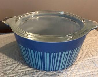 Vintage Pyrex Blue Barcode 1 Qt cassarole dish with lid 473