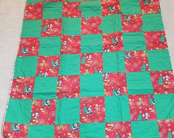 Mickey Mouse  Christmas lap quilt
