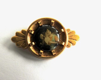 Vintage Photo Brooch