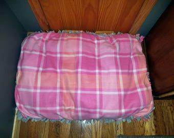 Fleece dog bed. Pink dog bed. Pet beds. Large Dog bed. Pink plaid.